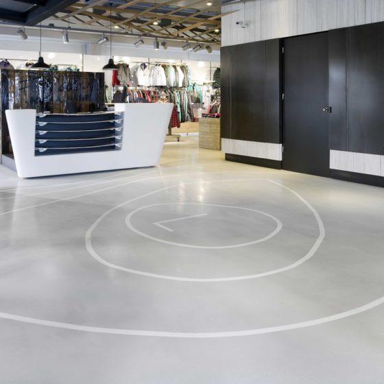 Living Concrete retail kledingwinkel betonlook